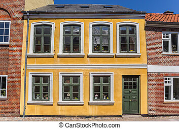 Front view of a historic house in Ribe
