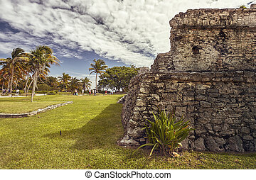 Frontal detail of an ancient Mayan building
