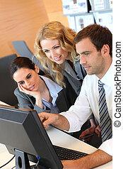 fronte, computer, riunione, desktop affari