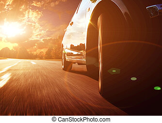 fronte, vista laterale, di, nero, automobile, guidando veloce