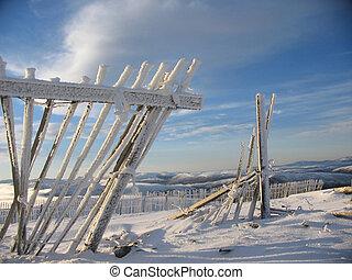 Frozen fence, Glenshee