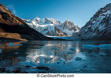 frozen lake, reflexion, an, der, cerro, torre, fitz, roy,...