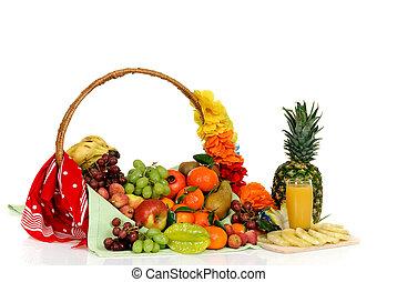 Fruit basket, pineapple juice - Seasonal varied tropical ...
