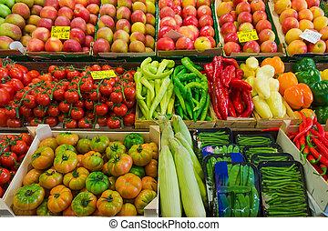 fruit en groenten, op, een, landbouwers, market., marktkraam, met, variëteit, van, organisch, groente