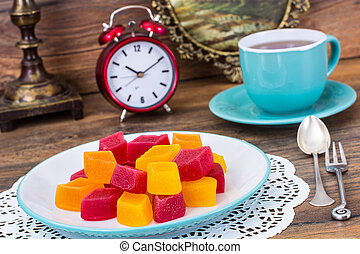 Fruit jelly and tea for dessert