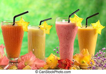 Fruit Juices and Milkshakes - Fresh papaya, strawberry,...