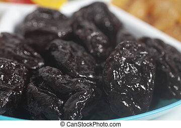 Fruit of dried prunes.