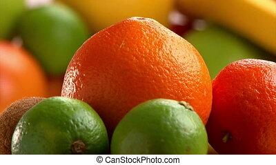 Fruits, citrus, rotate.