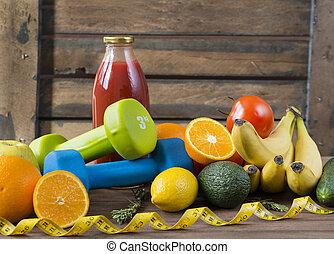 fruits, vegetables, juice, measuring tape, oranges, tomato juice, Apple, pear, tomatoes, avocado, cucumber, bananas, rosemary, centimetre tape, measuring tape, dumbbells, tomato juice bottle