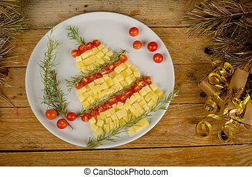 Fruity Christmas tree - A fruit salad set up as a Christmas...