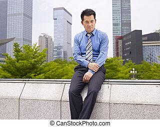 frustrado, negocio asiático, ejecutivo