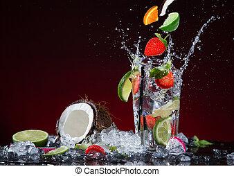 fruta fresca, coquetel, em, congelar, movimento, respingue