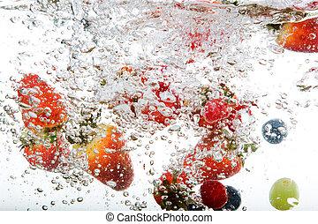 fruta fresca, em, água