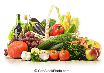 frutas legumes, em, cesta feito vime