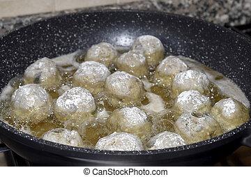 fry of meatballs