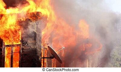 fuego, casa de madera