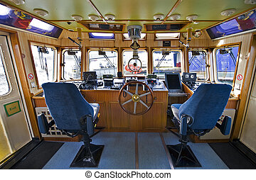 fuego, puente mando, barco