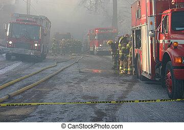fuego transporta camión, peligro