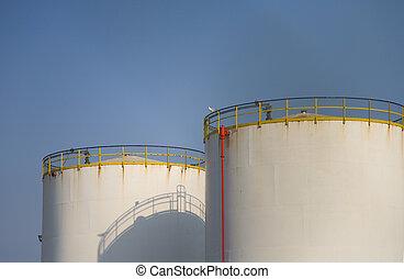 Fuel storage 4