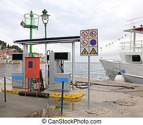 fueling radiostation, flotta