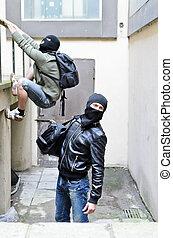 fuga, de, um, robbery., um, tries, para, escalar, ligado, a,...