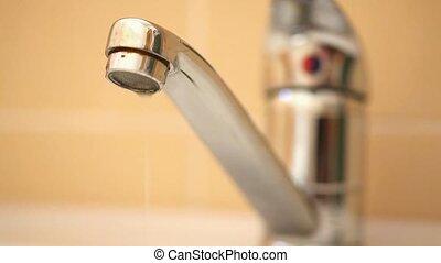 fuir, robinet
