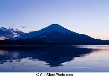 Fujisan and Lake Yamanaka