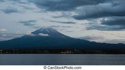 Fujisan in Kawaguciko at sunset time