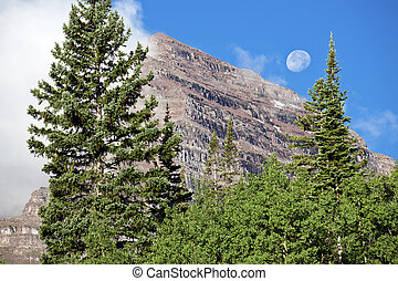 Full Moon and Maroon Bells