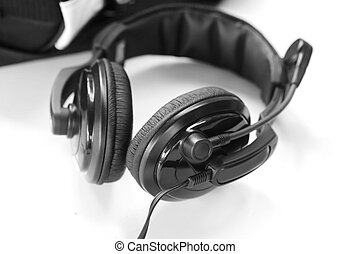 full size headphone with microphone