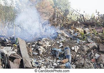 fumée, décharge ordures