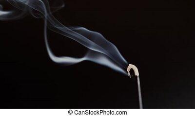 fumées, close-up., crosse, aromatique, contre, oriental, aromathérapie, arrière-plan noir, relaxation