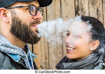 fumer, barbu, femme, elle, homme