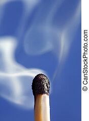 fumo, fiammifero