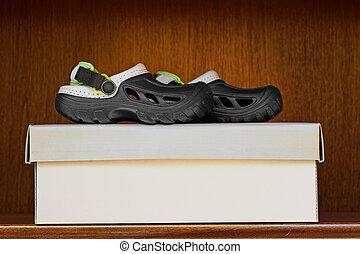 fun kid rubber slip on sandals