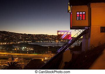funicular, transporte, en, valparaiso, ciudad, chile.