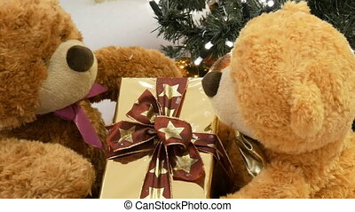 Funny toy teddy bears that move by passing each other box...