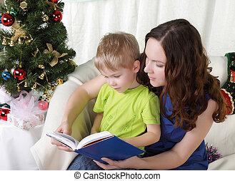 fur-tree, 息子, 読む, 本, ママ, クリスマス