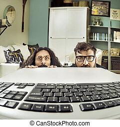 furcsa, keybord, két, számítógép, scientits, bámuló