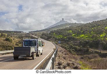 furgoneta, con, remolque, mudanza hacia, feria, colina castillo