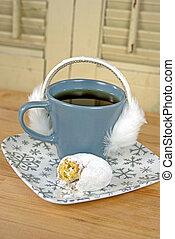 furry, öra, klåpare, på, kaffe kopp