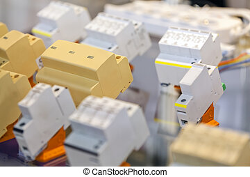 Fuse-box with fuses - Fuse-box with automatic fuses for ...
