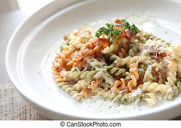 Fusilli spaghetti carbonara