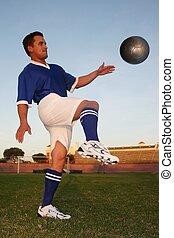 futball, megrúg