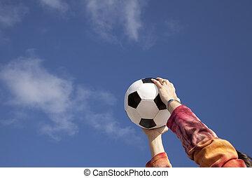 futbol, sostener la bola, manos
