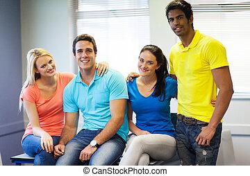 fyra, högskola, vänner, klassrum