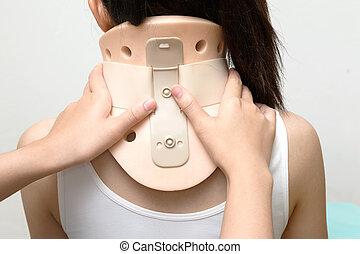 fysikalisk terapi, sätta, philadelphia, krage, på, neck's, tålmodig