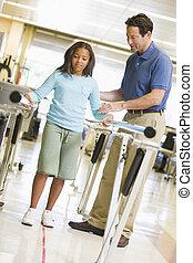 fysioterapeut, hos, patient, ind, rehabilitering