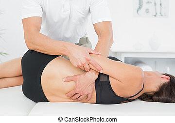 fysioterapeut, kontor, medicinsk, kvinde være baglæns,...