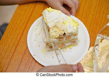 gâteau, anniversaire, manger, gosse, morceau